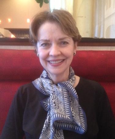 Lynne Tolley in STL